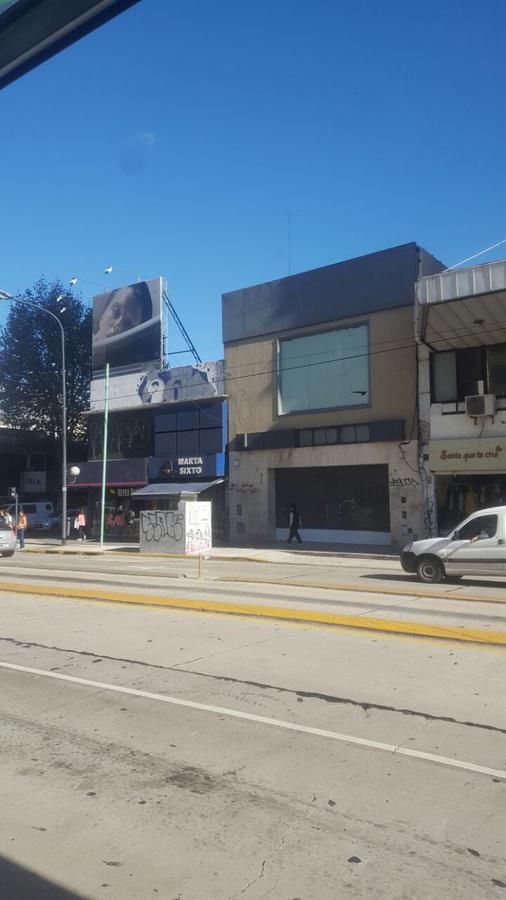 Foto Local en Alquiler en  Belgrano ,  Capital Federal  Av. Cabildo al 2400
