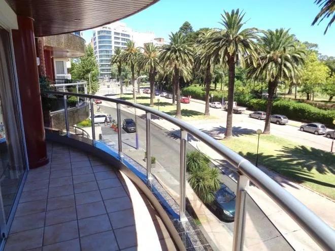 Foto Departamento en Alquiler en  Punta Carretas ,  Montevideo  Aprox Golf