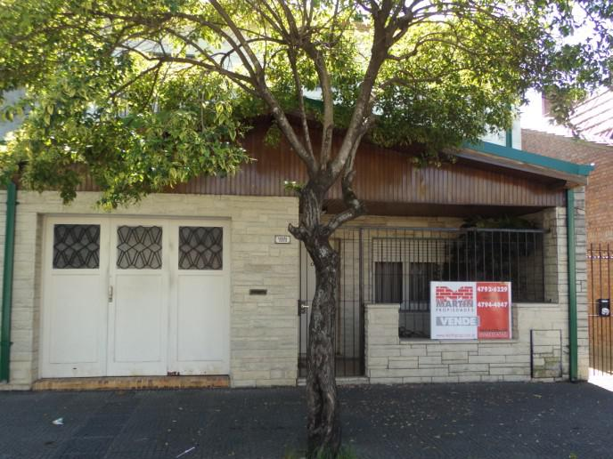 Foto Casa en Venta |  en  Olivos-Maipu/Uzal,  Olivos  ESPAÑA al 3300 entre CASTRO R.B y BORGES FRA