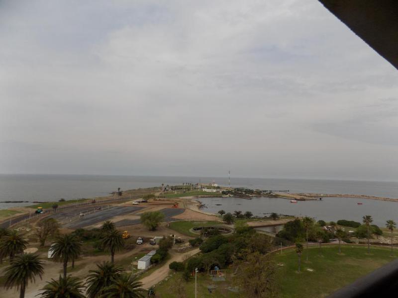 Foto Departamento en Alquiler en  Punta Carretas ,  Montevideo  Rambla Gandhi  y Bvar Artigas