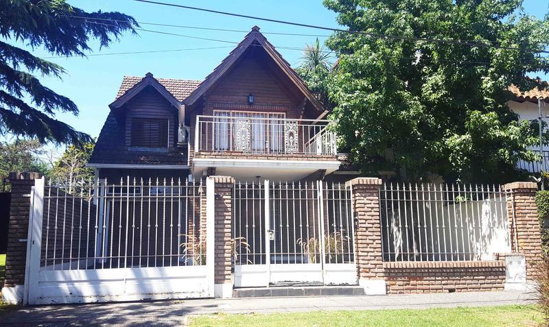 Foto Casa en Venta en  Castelar Norte,  Castelar  Cnel. Machado al 2900