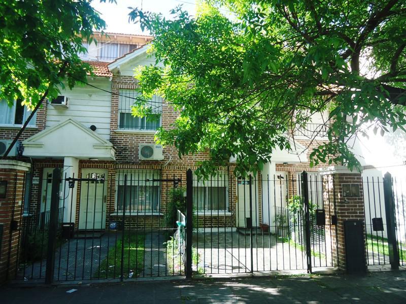 Foto Casa en Venta en  Olivos,  Vicente Lopez  Paraná al 3100