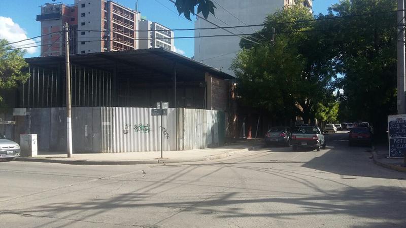 Foto Local en Alquiler en  San Miguel,  San Miguel  Muñoz al 900