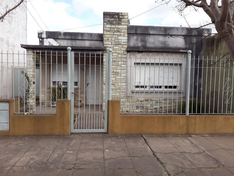 Foto Casa en Venta en  Centro (Campana),  Campana  Jean Jaures al 1300
