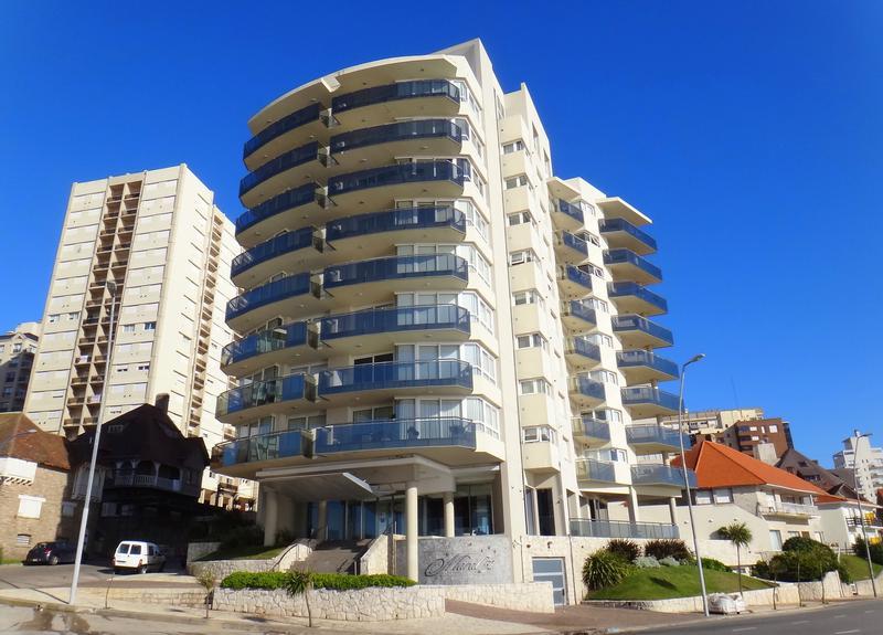 Foto Departamento en Alquiler en  Mar Del Plata ,  Costa Atlantica  Bvd. Marítimo Peralta Ramos esquina Bolívar