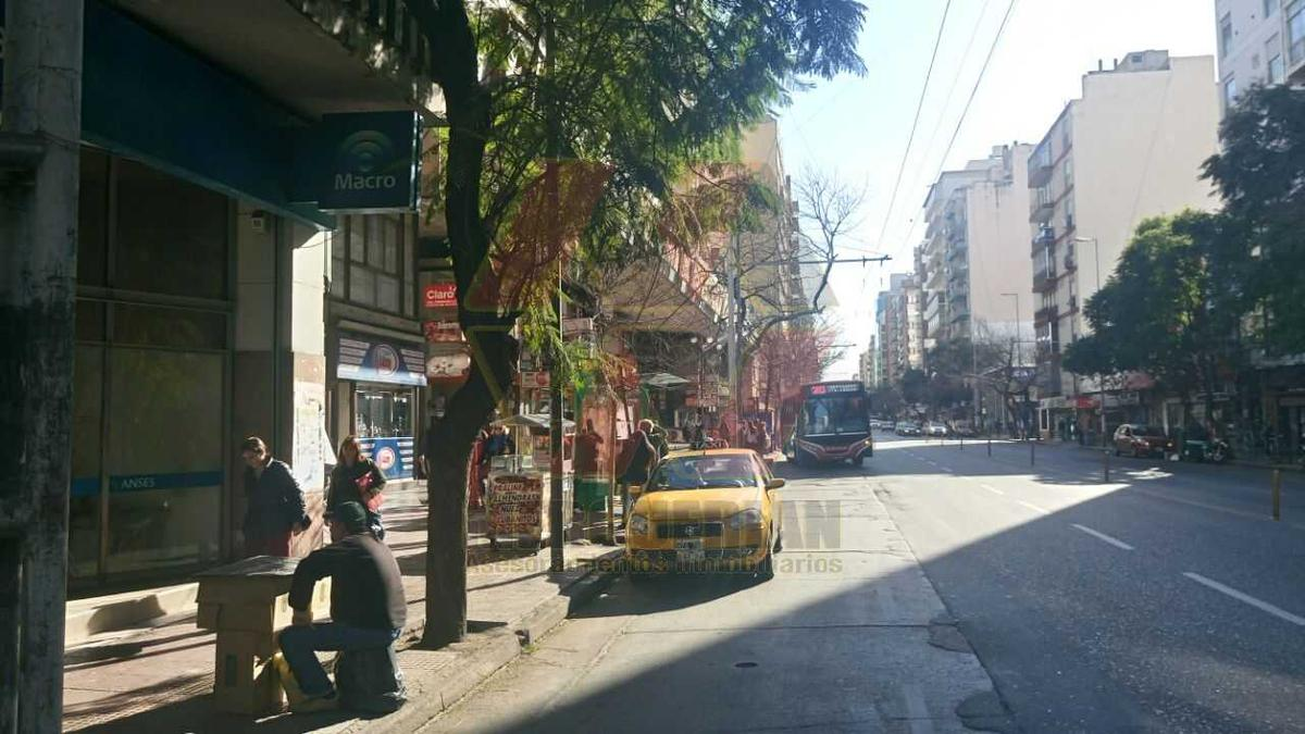 Foto Local en Alquiler en  Centro,  Cordoba  AV.COLON al 300