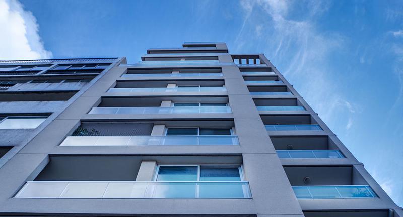 Foto Departamento en Alquiler en  Parque Batlle ,  Montevideo  Ideal estudio. Impecable estado. Zona blanca