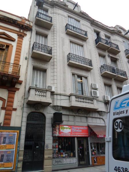 Foto Departamento en Venta |  en  San Telmo ,  Capital Federal  Tacuari  al 900