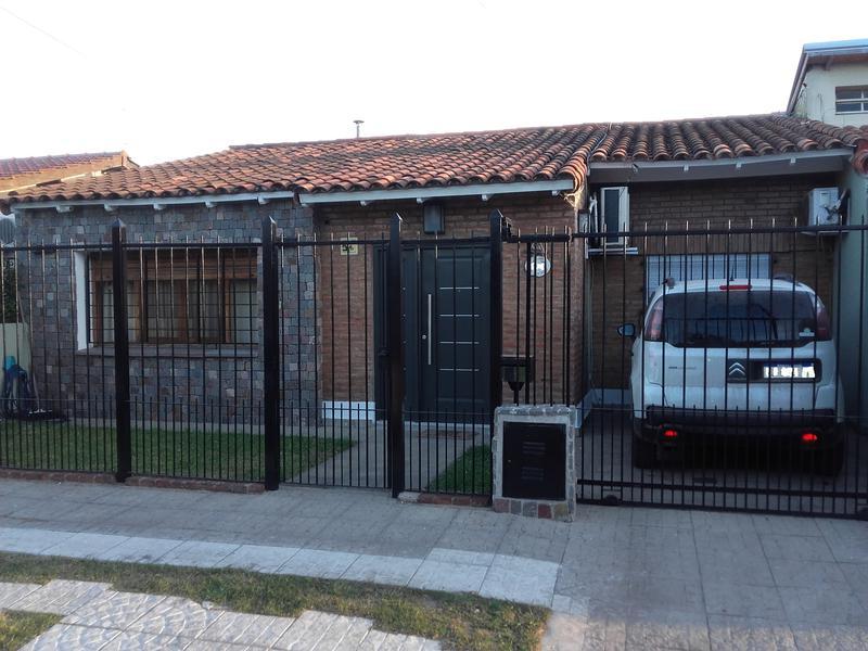 Foto Casa en Venta en  Barrio Parque Leloir,  Ituzaingo  Lahitte al 2800