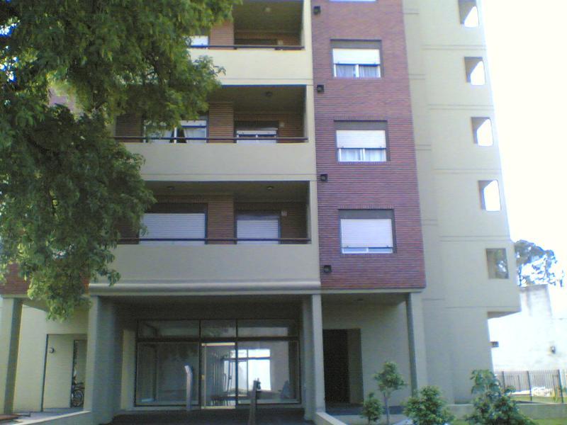 Foto Departamento en Alquiler en  Lomas de Zamora Oeste,  Lomas De Zamora  Av. Almirante Brown 2939 6º A