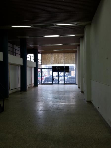 Foto Local en Venta | Alquiler en  Lanús Oeste,  Lanús  Sitio de Montevideo 59