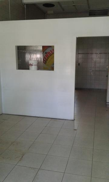 Foto Local en Alquiler en  Ituzaingó,  Ituzaingó  Olazabal al 700