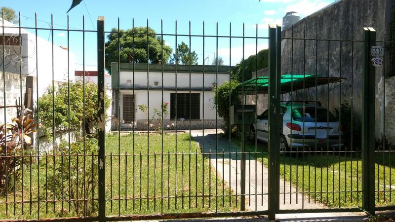 Alvarez propiedades casa en venta en villa ballester for Jardin belen villa ballester