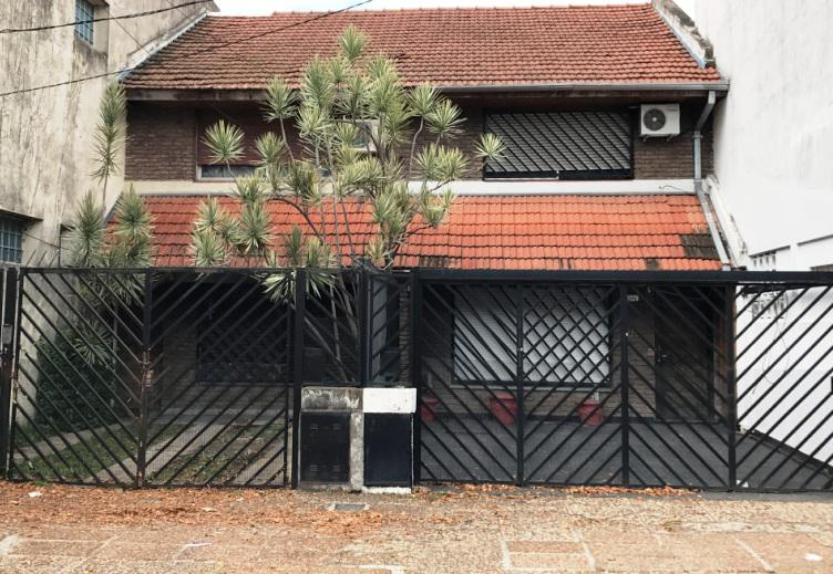 Foto Casa en Venta en  Villa Adelina,  San Isidro  Obligado, Rafael 6200