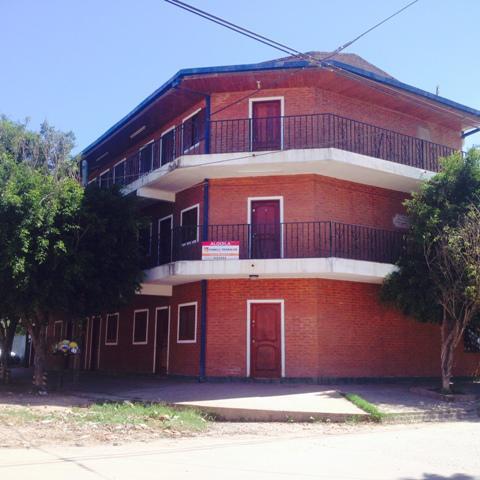 Foto Departamento en Alquiler en  Ensanche Sur,  Presidencia Roque Saenz Peña  Checoeslovaquia al 700