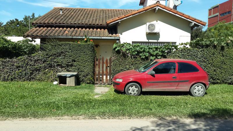 Foto Casa en Venta en  Garin-V.Angelica,  Garin  La rioja al 1200