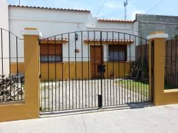 Foto Casa en Venta en  Lanús Oeste,  Lanús  Santiago Plaul al 1300