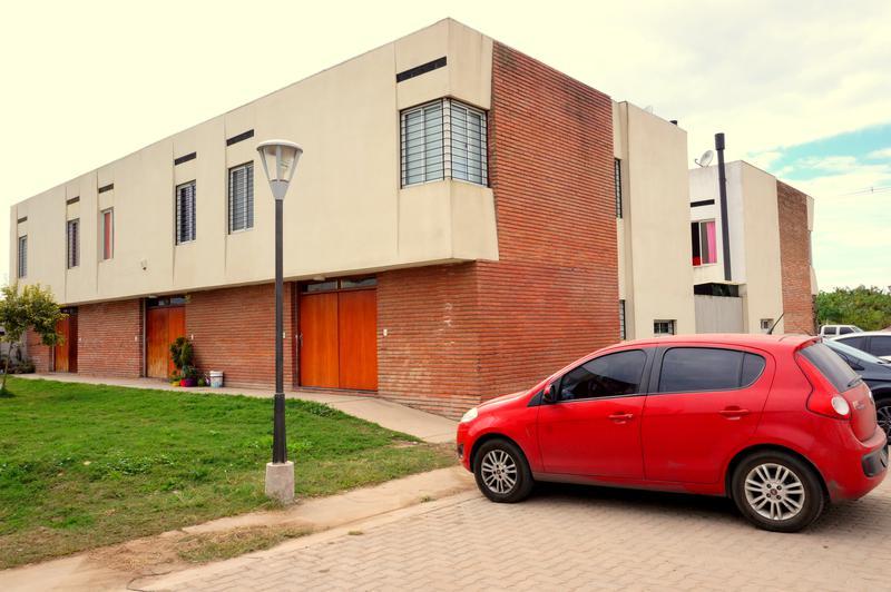 Foto Casa en Venta en  San Miguel De Tucumán,  Capital  Dúplex financiado en Pje. tagle y Felix de Olazabal.