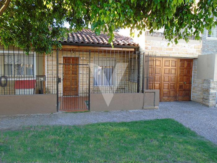 Foto Casa en Venta en  Ituzaingó ,  G.B.A. Zona Oeste  EUROPA entre BRANDSEN y SAN IGNACIO
