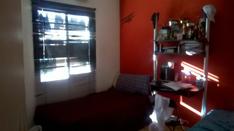 Foto Casa en Venta en  Barrio Parque Leloir,  Ituzaingo  Av. Udaondo al 4100