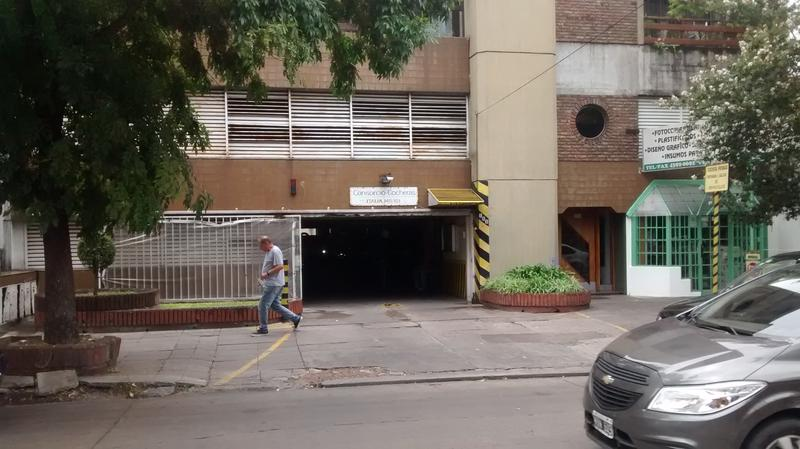 Foto Cochera en Venta |  en  Lomas de Zamora Oeste,  Lomas De Zamora  ITALIA al 100