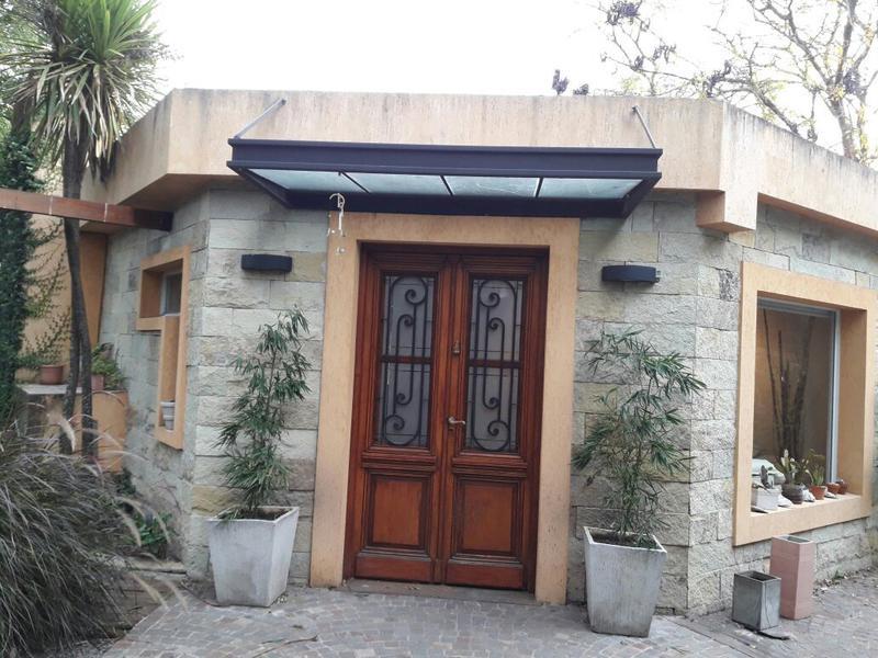 Foto Casa en Alquiler en  Barrio Parque Leloir,  Ituzaingo  media caña al 2900