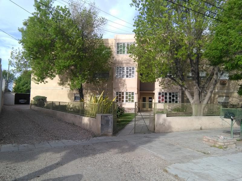 Foto Departamento en Venta en  Trelew ,  Chubut  Urquiza al 800
