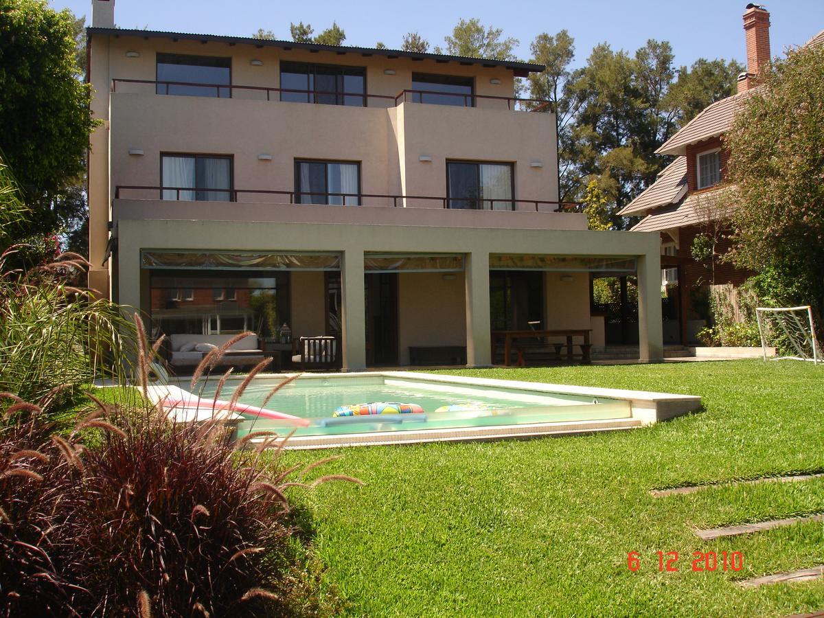 Foto Casa en Alquiler en  Marina Del Sol,  Countries/B.Cerrado  Escalada al 2400