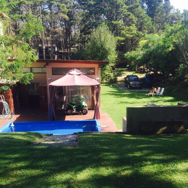 Foto Casa en Alquiler temporario en  Mar Azul,  Villa Gesell  Calle 42 e/ P. del Indio y Pinamar