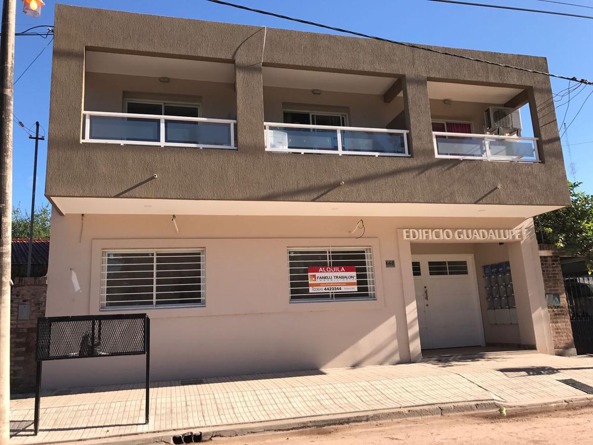 Foto Departamento en Alquiler en  Ensanche Sur,  Presidencia Roque Saenz Peña  Checoeslovaquia al 600