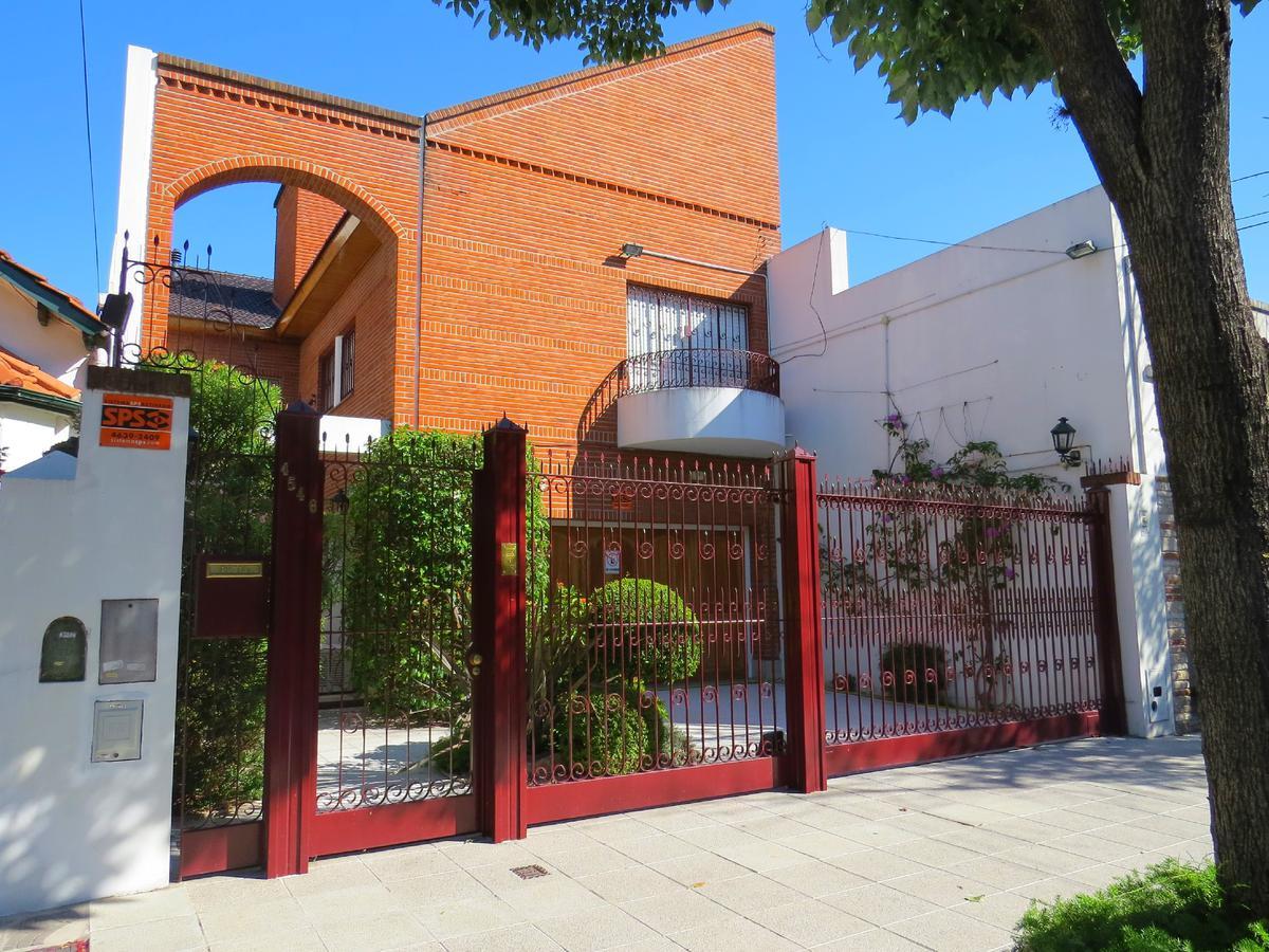 Foto Casa en Venta en  Villa Devoto ,  Capital Federal  Simbron 4500