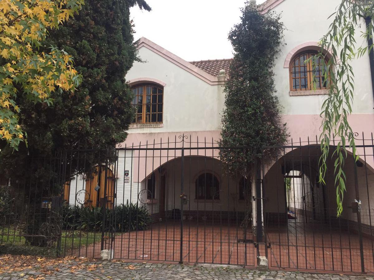 Foto Casa en Venta en  Castelar,  Moron  Muñiz al 3400
