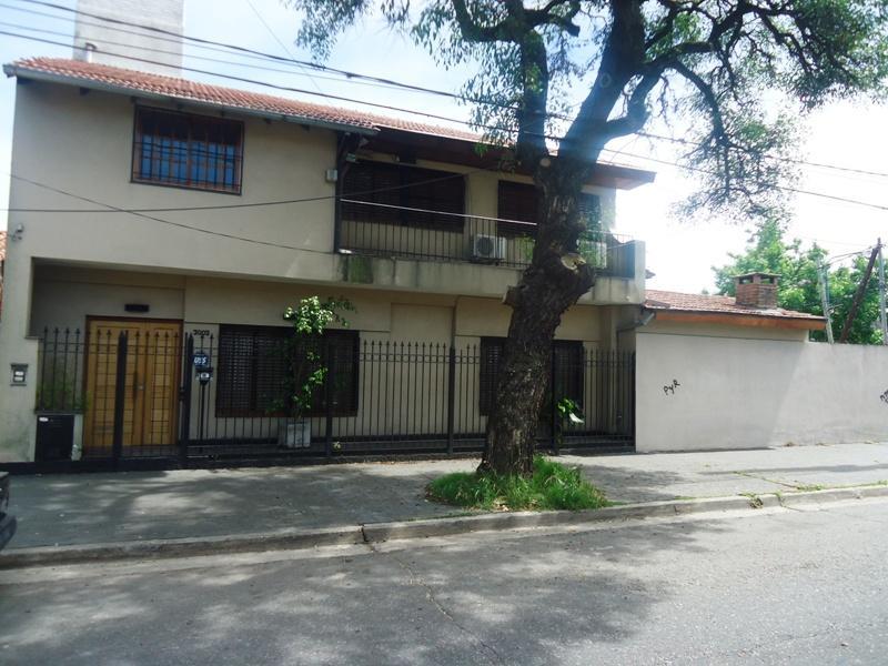 Foto Casa en Venta en  Olivos,  Vicente Lopez  Dia Velez al 3000