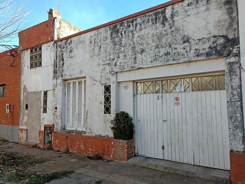Foto Casa en Venta en  Centro (Campana),  Campana  Colon al 200