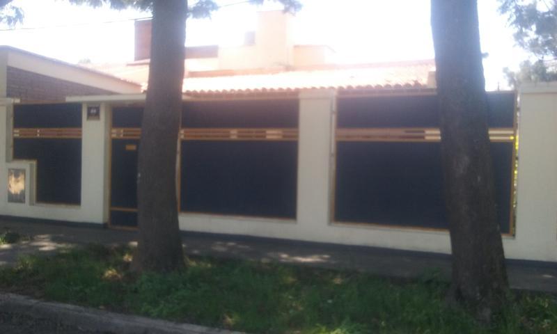 Foto Casa en Alquiler en  San Miguel De Tucumán,  Capital  Olegorio Andrade al 100  -  Lujosa propiedad.