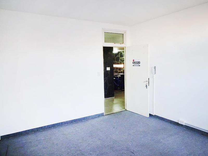 Foto Oficina en Alquiler en  Centro,  General Pico  15 e/ 18 y 20