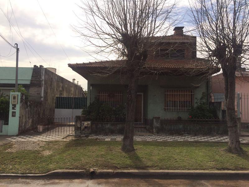 Foto Casa en Venta |  en  Lomas de Zamora Oeste,  Lomas De Zamora  General Allarias 172