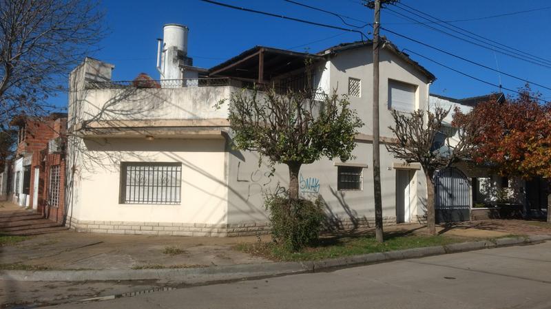 Foto Casa en Venta en  Ituzaingó Norte,  Ituzaingó  Alberti y Ecuador