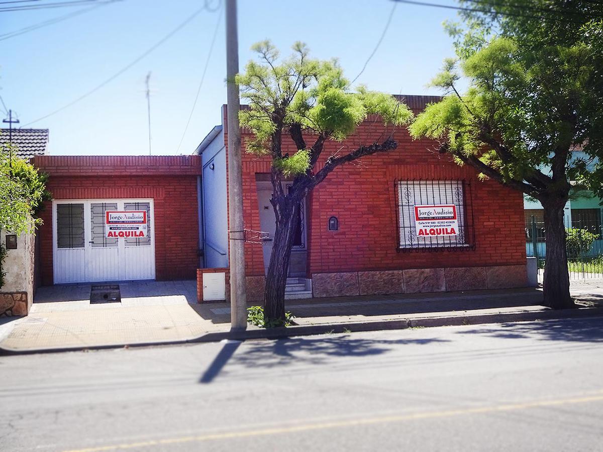 Foto Casa en Alquiler en  Talleres,  General Pico  Calle 2  e/ 15 y  17