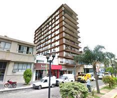 Foto thumbnail Departamento en Venta en  Centro (Campana),  Campana  Rocca al 200