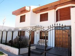 Foto thumbnail Casa en Venta en  Trelew ,  Chubut  Pecoraro al 1400