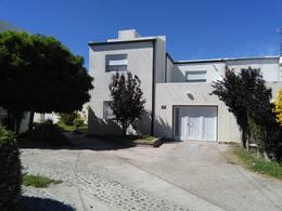 Foto thumbnail Casa en Venta en  Trelew ,  Chubut  Vesta 835