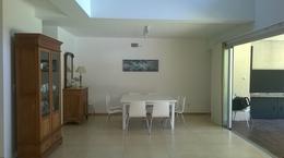Foto thumbnail Casa en Alquiler temporario en  Barrio Parque Leloir,  Ituzaingo  Repetto al 2300