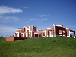 Foto thumbnail Casa en Venta en  Otras ,  Maldonado  Punta del Este Laguna del Sauce 73000mts2 Punta del Este
