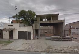 Foto thumbnail Local en Alquiler en  Castelar,  Moron  ACCESO OESTE  (Colectora Sur) entre SAN PEDRO y