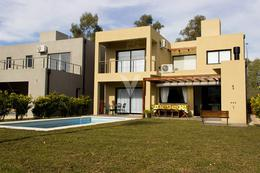 Foto thumbnail Casa en Venta en  María Eugenia Residences & Village,  Countries/B.Cerrado  Int. Corvalan ,Maria Eugenia residences village, Moreno, Bs.as. G.b.a. Oeste