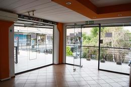 Foto thumbnail Local en Venta en  Kilometro 45,  Pilar  La Escala Centro Comercial - Pilar - Avenida Caamaño al 1100