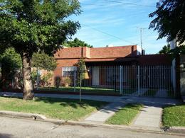 Foto thumbnail Casa en Venta en  Lomas de Zamora Oeste,  Lomas De Zamora  Tunuyan al 100