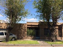 Foto thumbnail Casa en Venta en  Castelar,  Moron  B. Mitre al 2100