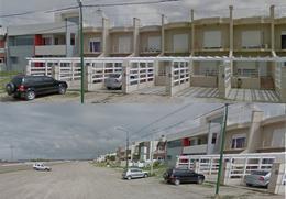 Foto thumbnail PH en Alquiler en  Rawson ,  Chubut  Av. Guillermo Rawson al 2100
